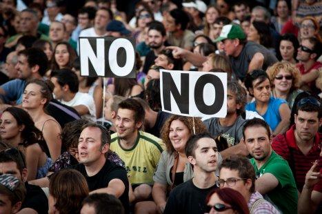 """MANIFESTACIÓN """"INDIGNADOS"""" EN MADRID CONTRA LA REFORMA CONSTITUCIONAL EN ESPAÑA"""
