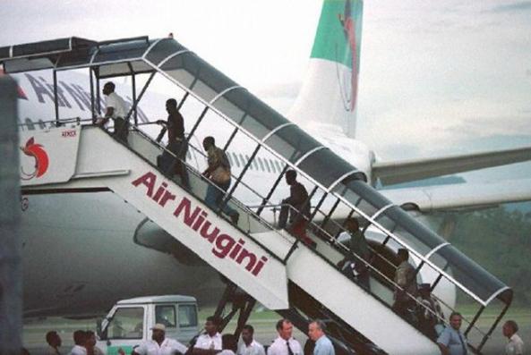 Los mercenarios de Sandline International son expulsados de Papúa Nueva Guinea