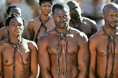 slavery - 2 Técnicas de manipulación de masas que no debes olvidar