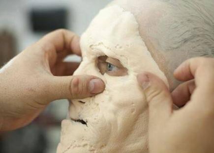 maquillaje-actor-zombie-3