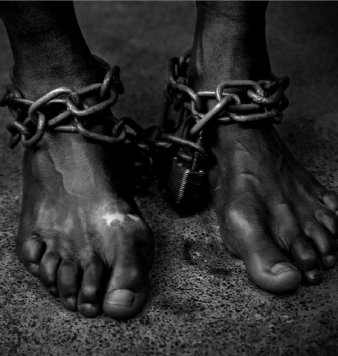 as slave in chains smaller - FABRICANDO LA SOCIEDAD ADICTA