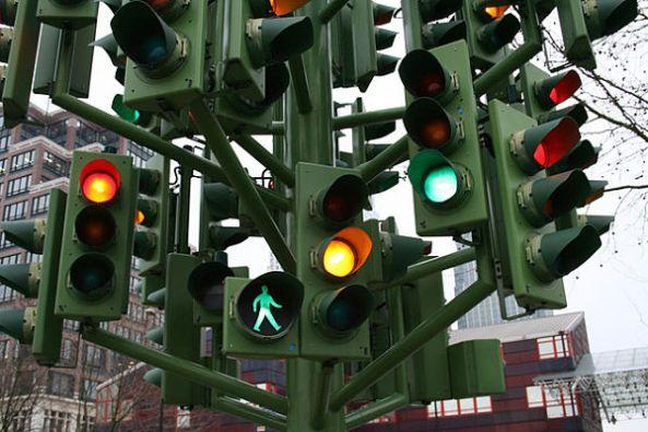 Escultura-semáforo_Londres2