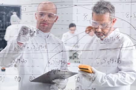 scientist-06-16011_450