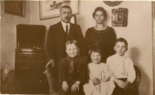 Turner-family-1920