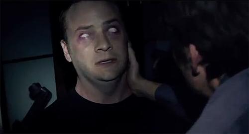 evan-helmuth-the-devil-inside-imagen-posesion-ojos-en-blanco